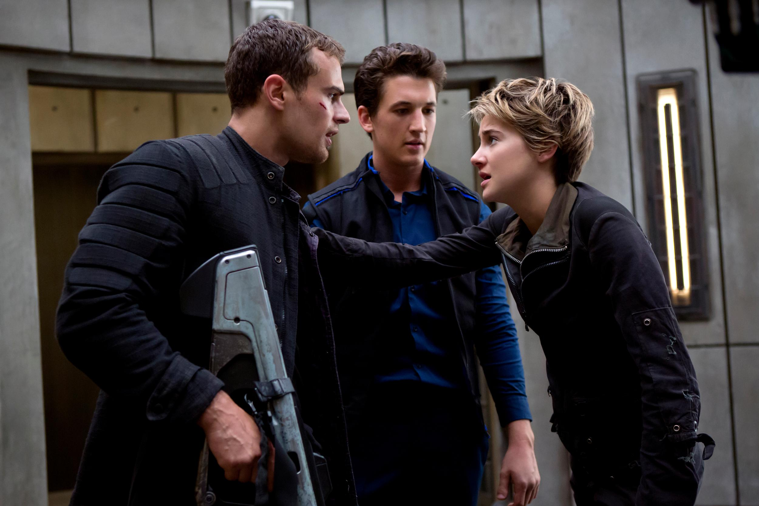 Insurgente e Cinderela partilham lideran�a no box office portugu�s