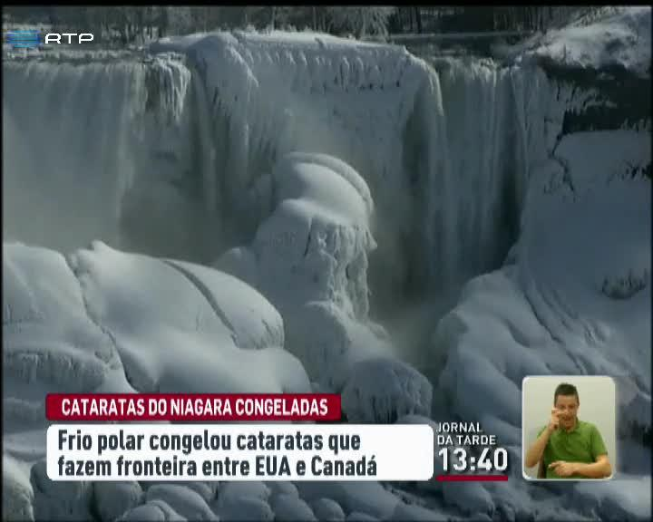 Cataratas do Ni�gara congeladas