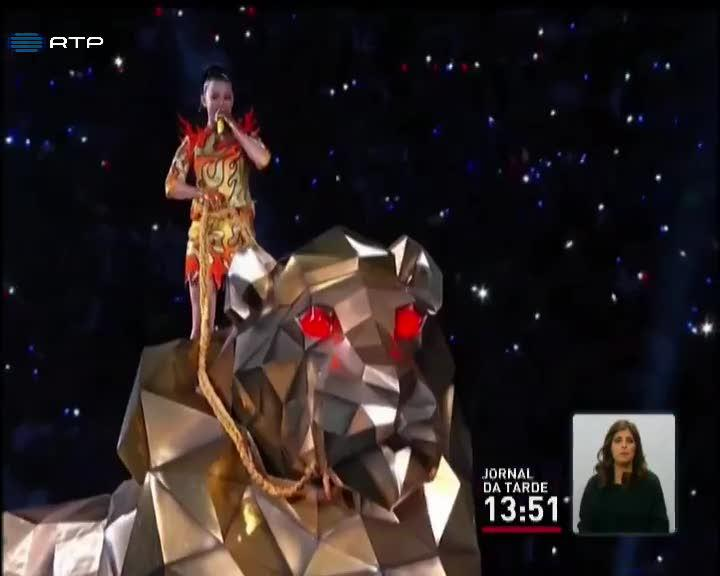 Katy Perry ficou este ano com o intervalo do SuperBowl