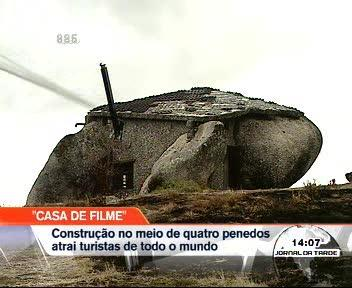 A casa dos Flintstones na Serra de Fafe