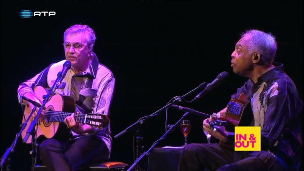 Gilberto Gil e Caetano Veloso juntos no palco do cooljazz